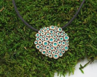 "Bronze and turquoise pendant ""alveolate"""