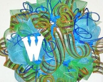 Monogram W, letter W wreath, personalized wreath, initial letter W, letter W door hanger, wreath with letter W