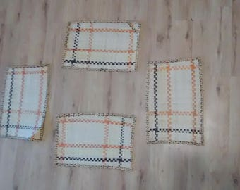 Hand woven palm place mats !! Super cool earthy design