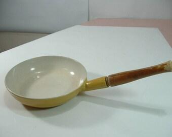 Vintage descoware belgium frying pan enameled wood handle 23-A 20