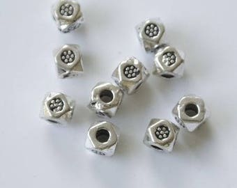 Mini small inlay flower 3mm silver metal beads
