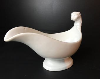 Antique Empire style French porcelain de Paris gravy boat,  in  good vintage condition. Beautiful piece of antique porcelain.