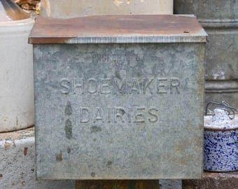 Antique Galvanized Milk Box SHOEMAKER DAIRIES Bridgeton NJ, Large Milk Box, Front Porch Milk Cooler, Metal Cooler Rustic Farm House Antiques