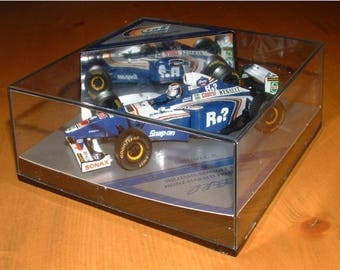 HEINZ-HARALD FRENTZEN Williams-Renault 1997 British Grand Prix Car Model in Mirrored Display Case. 1:43 Diecast Model. F1 Car Model