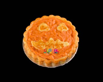 Dollhouse Miniatures Handcrafted Clay Pumpkin Trick or Treat Round Halloween Tart on Aluminum Dish - 1:12 Scale