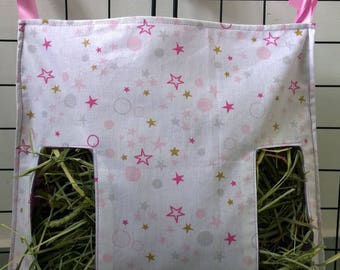 Hay bag for guinea pigs, rabbits and small animals.