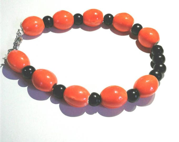 Orange and Black Marble Stone Beaded Bracelet, Statements Piece, Gift for Women, Beadwork, Halloween Bracelet, Fun Piece, Popular Colors.