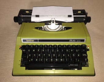 Cursive! Vintage portable electric typewriter brother electric 4612 with italic type electric typewriter with italic font