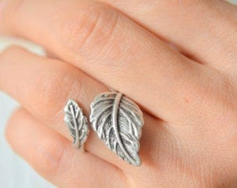 Greek Goddess Ring, Olive Tree Branch Ring, Leaf Ring, Rustic Ring, Oak Tree Ring, Peace Ring, Casual Ring, Trendy Ring, Historical Ring Gif