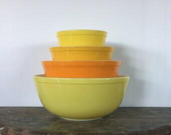 Vintage Pyrex Mixing Bowl Set of 4 in Sunny Yellow Orange