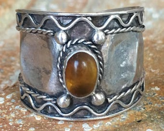 Old Vintage Hammered Sterling Silver And Amber Stone Wide Band Ring Size 7 2074C45