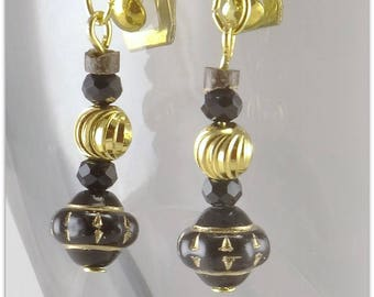 Black and gold earrings, glass black beads and gold - plated jewelry 123Pierres