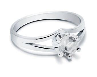 White Topaz Ring, 925 Sterling Silver. SIZE 5.75 (inner diameter 18.67mm), color white, weight 2.2g, #44441