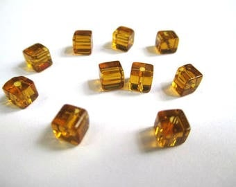 20 square brown glass beads 4mm