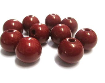 12 Burgundy 12mm acrylic beads