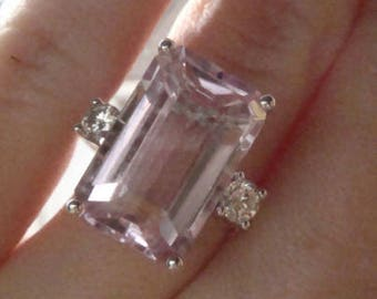 18ct White Gold Art Deco Style Kunzite 8.30ct & Diamond 0.24ct ring