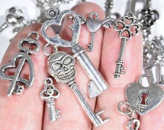 25 Key Charm Assortment - Silver Key Charms - Key Earring Charms - Engagement Charms - Key Earring Charms - Keys - Steampunk Jewelry - SC882