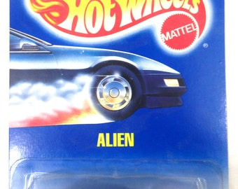 Vintage 1988 Hot Wheels Die Cast Metal Alien Car Collector No. 62 #B6