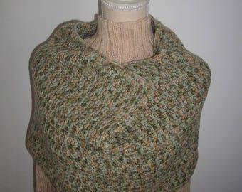 Collar snood Brown and green crochet