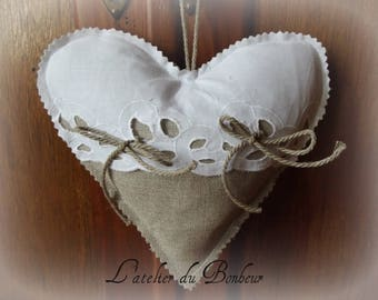 ring pillow in linen and embroidery English
