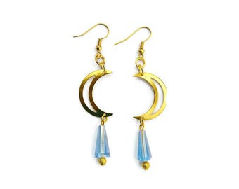 Gold Crescent Moon Outline Earrings
