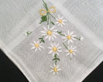 Vintage Madeira Embroidered Handkerchief,  Floral 1950's Hankerchief, White Daisy Hankie, Flowered Hanky