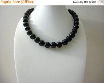 ON SALE Retro Black Glass Shorter Length Necklace 73016