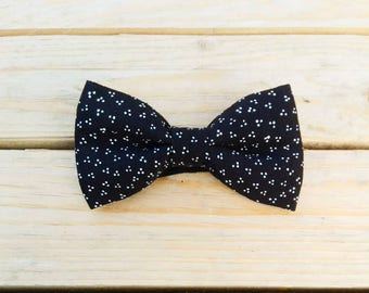 Bow tie black with white dots