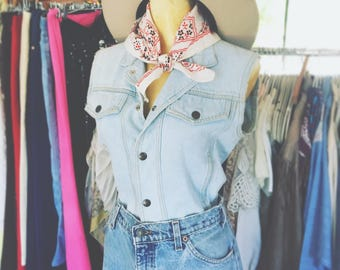Vintage 80's-90's Light Denim Wash Guess by Marciano Snap up Vest