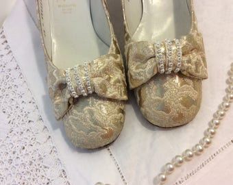 Wedding shoes, gold shoes, brocade shoes, vintage shoes, cream brocade, diamanté decoration, Bally shoes, beautiful shoes, vintage Bally