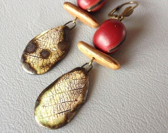 Earrings Bohemian, rustic and poetic, footprint ceramic vegetable seeds Leamorphoses creation.
