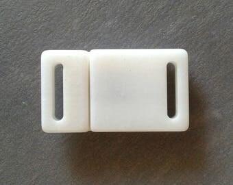 Pearl clip 5.5 cm snap closure