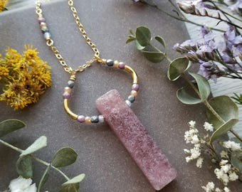Strawberry Quartz Loop Necklace in Gold >> Mauve Pink Quartz with Blush Pink, Peach, and Gray Accents >> Boho Style, Gemstone Jewelry