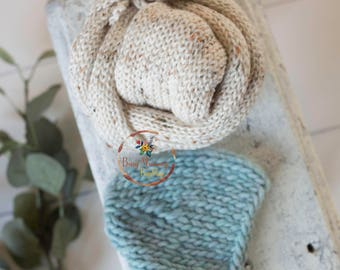 Photo prop newborn baby boy knitted wrap and duck blue colour bonnet