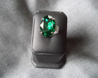 Large silver plated Adjustable ring with emerald green Swarovski
