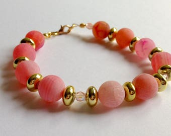 Pink bracelet with pink agate, gold and crystal spacers beads