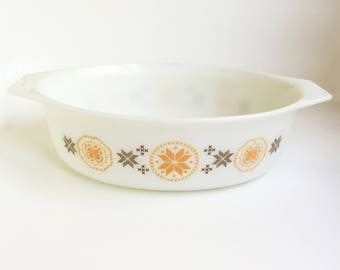 Vintage Pyrex Casserole Dish, Town and Country Pattern