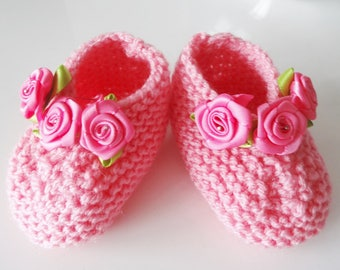 Pink baby booties in wool - Pink Shoes with roses