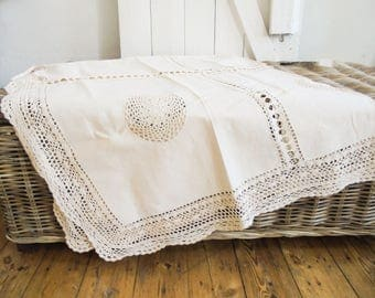 Old tablecloth Tafeltuch crochet handicraft tablecloth Embroidery
