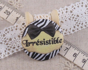x 1 28mm fabric button irresistible ref A13