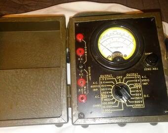 Supreme I-166 (1944) World War II U.S. Army Signal Corps. Volt ohm meter