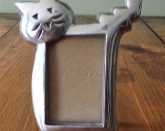 Vintage Midcentury Style Kitsch Cat Wallet Photo Frame Metal Decor Feline Midcentury Photography picture small desktop office silver tone