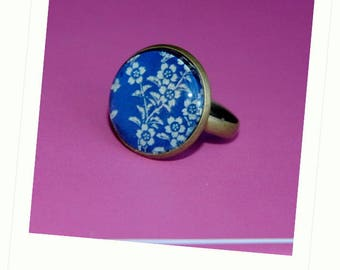 Ring cabochon 18 mm bronze blossoms blue