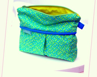 Pouch / case green and blue