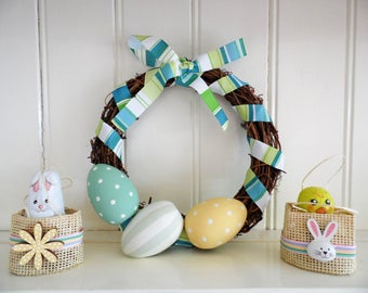 Easter Wreath-20cm-Hand Painted Wood-Easter Eggs-Spring Accent-Easter Door Wreath-Mantle Decor-Spring Colours-Teal-Yellow-Spring Wreath