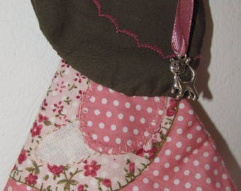 Key-quilted fabric and embroidery sunbonnet