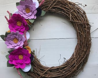 Felt flower wreath• Grapevine wreath• Wreath• Modern wreath