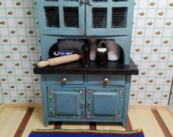 Novelty OOAK 1 12 kitchen cupboard 1:12 hand-painted with vintage blue accessories