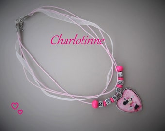 ¤ Child necklace with personalized with the name.