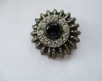 Silver Tone Filligree Brooch with faux Black Onyx Glass Gemstone
